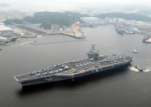Us_navy_090610n9565d019_sailors_man